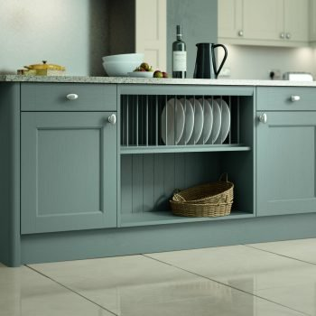 Bespoke fitted traditional kitchen with island London